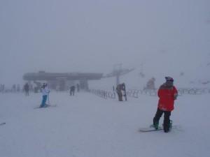 雪の降り続くコロネットピーク